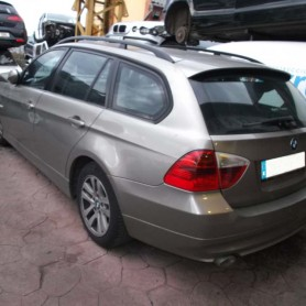 BMW320203